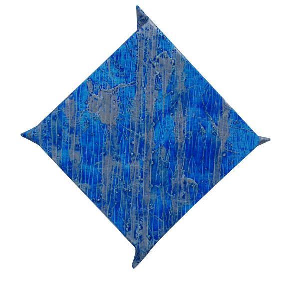 作品名 いのちたち(青龍)  2016年9月 S0号菱形耳脚付き  地塗り済み麻画布に、ジェッソ、アクリル絵具。  いのち絵画の技法:雛付け、叩き付け泡立ち